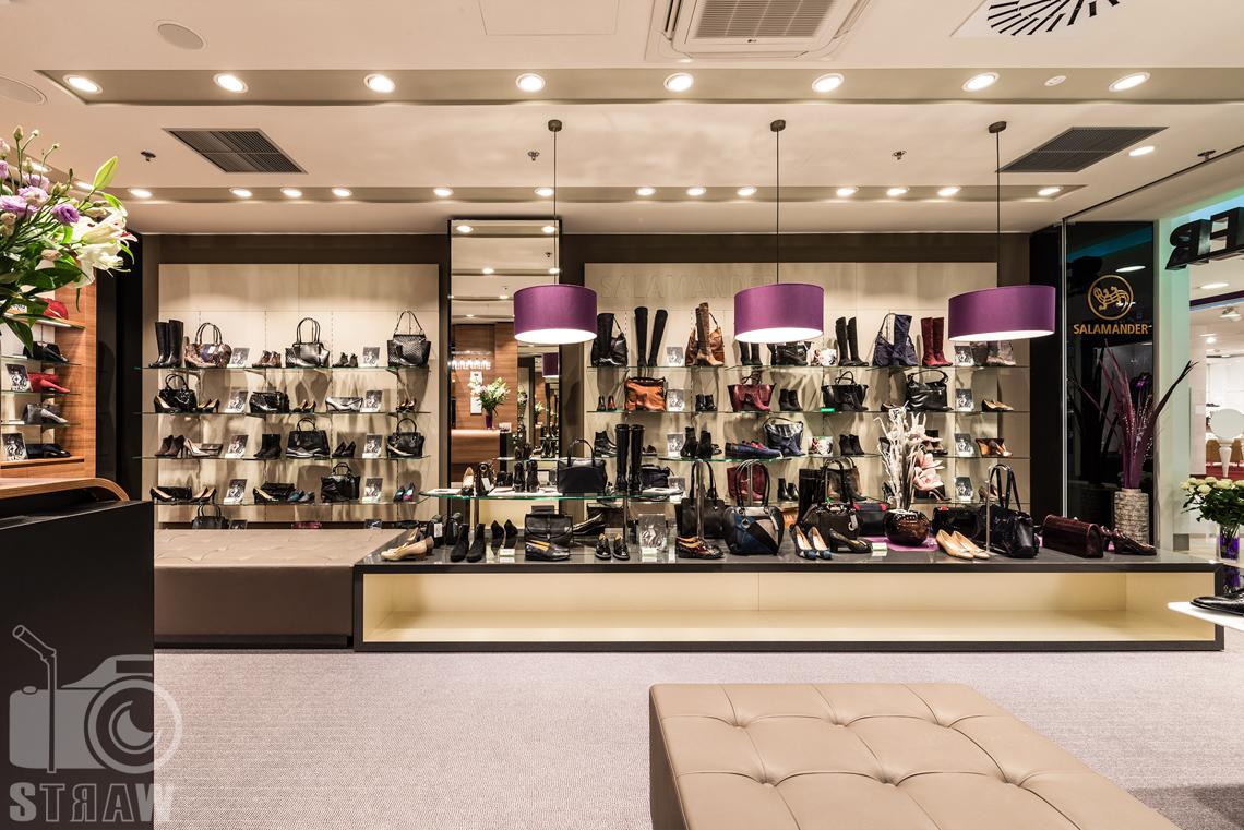 Zdjęcia wnętrz komercyjnych, zdjęcia salonu sprzedaży Salamender, buty salamander.