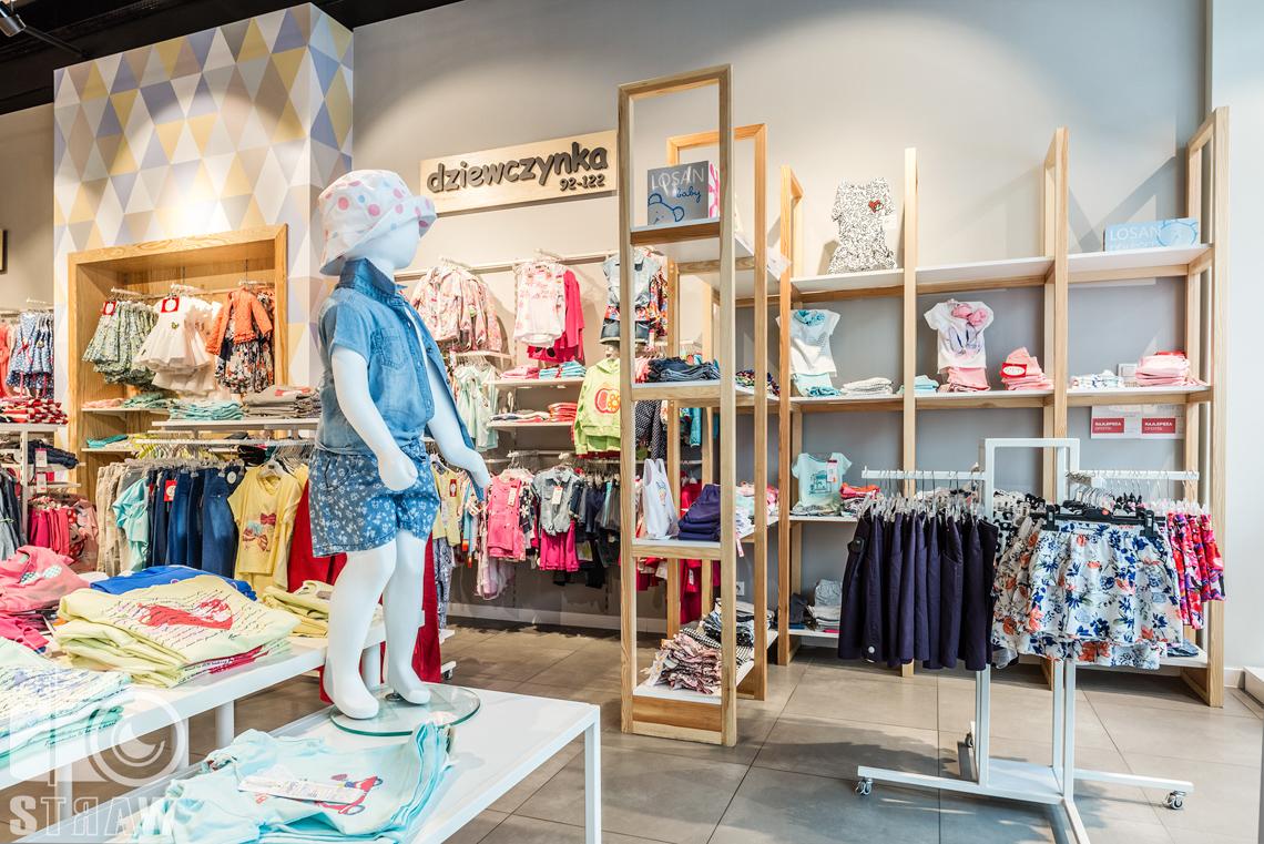 Fotografie sklepu besta plus, fotografia wnętrz komercyjnych, na zlecenie biura projektowego 4ma Projekt, manekin.