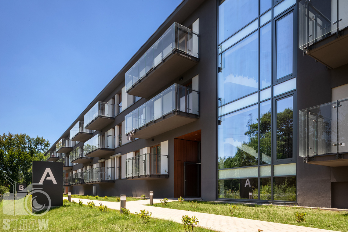 Fotografia architektury, zdjęcia zrealizowanej inwestycji mieszkaniowych dla dewelopera, fotografie osiedla dla firmy Unidevelopment, apartamenty zielony sołacz w Poznaniu.