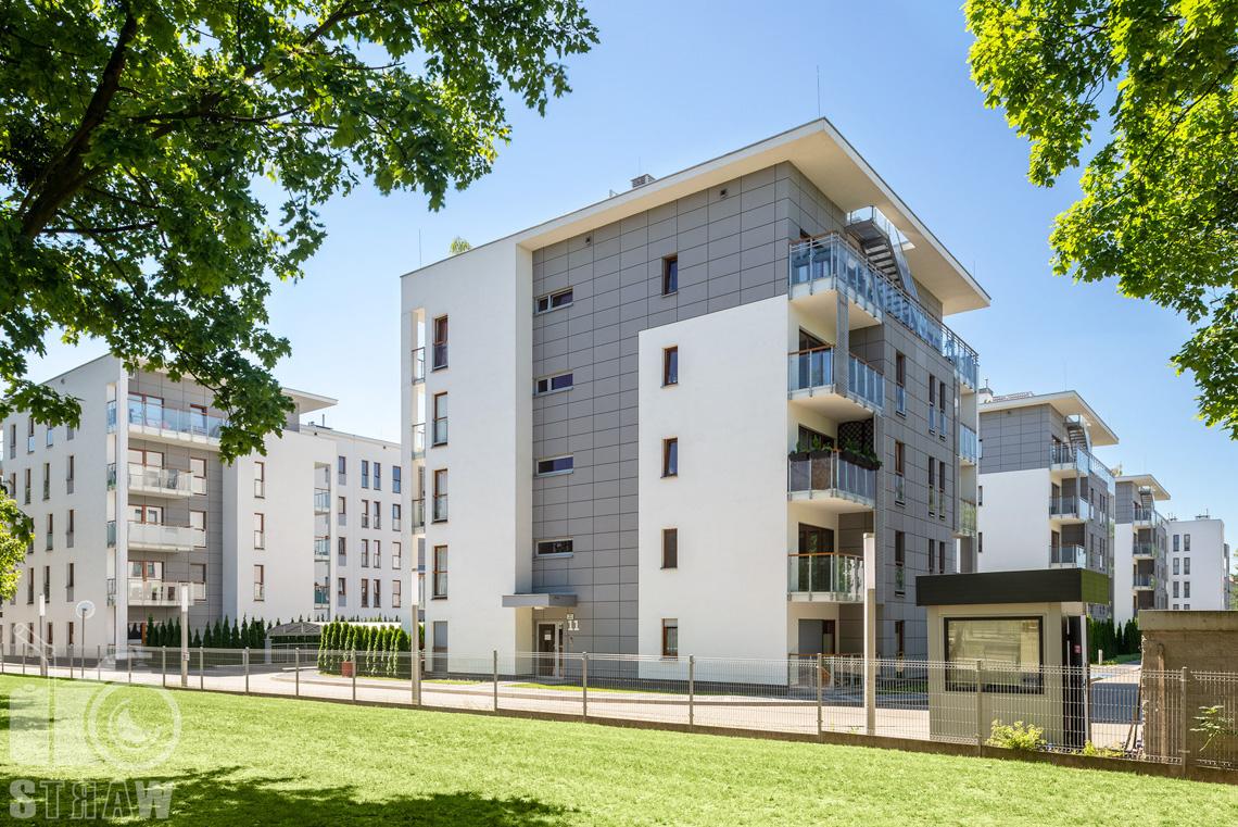 Fotograf architektury, zdjęcia zrealizowanej inwestycji mieszkaniowych dla dewelopera, fotografie osiedla dla firmy Unidevelopment, zdjęcia budynków na osiedlu Hevelia w Poznaniu.