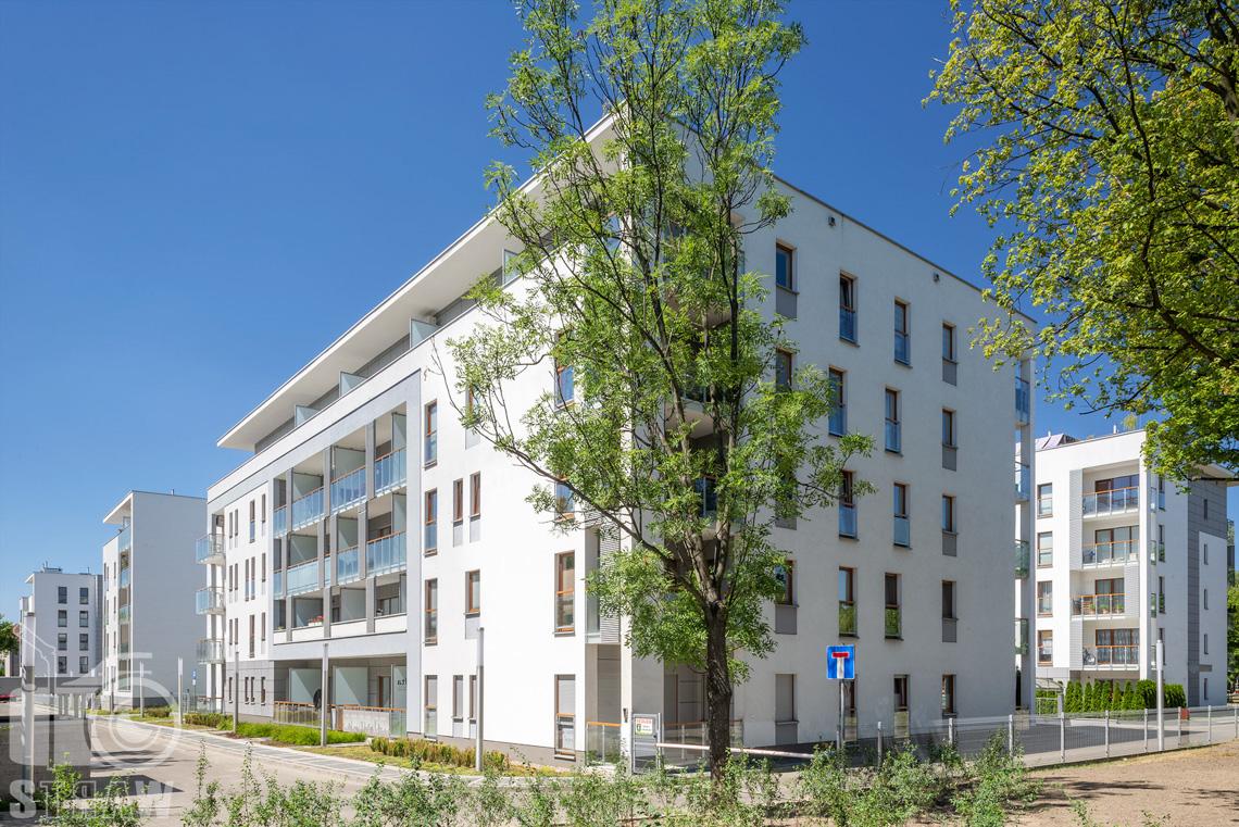 Zdjęcia architektury, fotografie zrealizowanej inwestycji mieszkaniowych dla dewelopera, sesja zdjęciowa osiedla dla firmy Unidevelopment, budynki hevelia w Poznaniu.