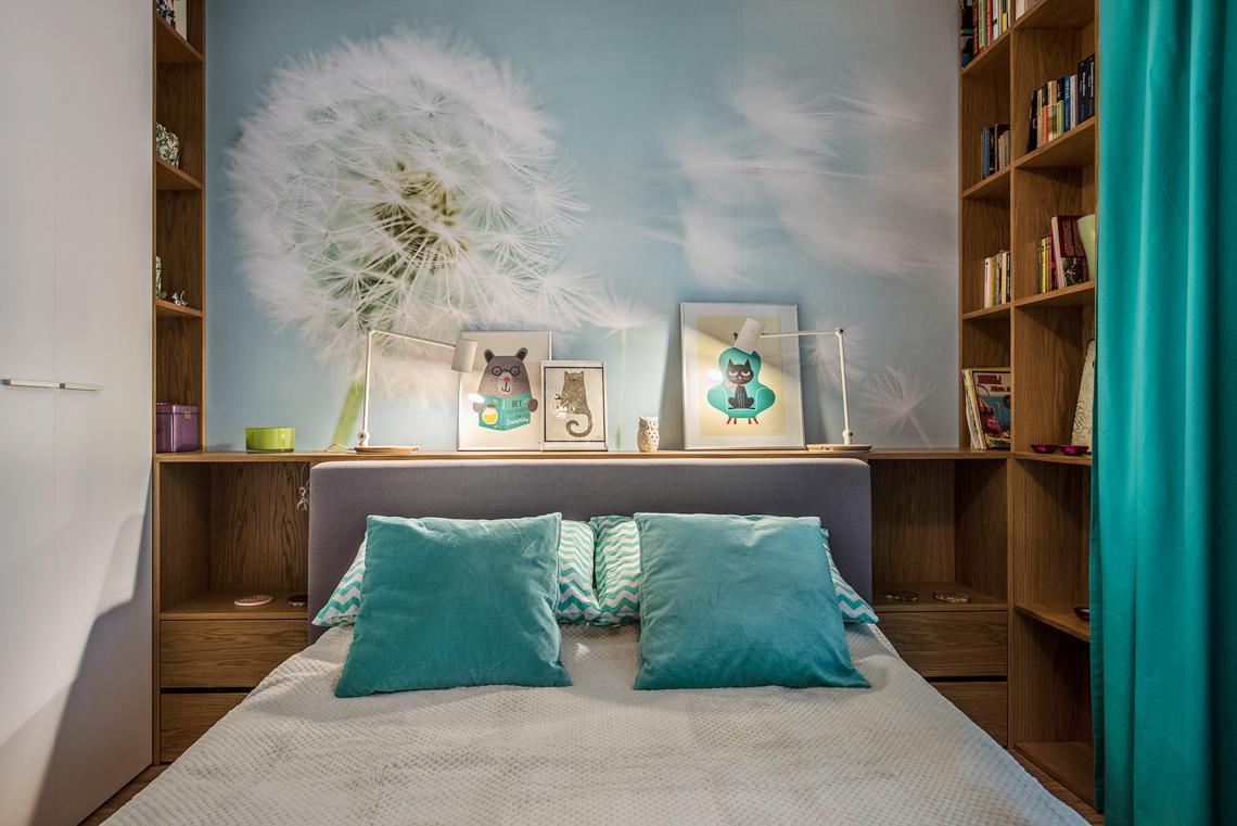 Fotograf dla biur projektowych, sesja fotograficzna wnętrz, sypialnia, łóżko, tapeta.