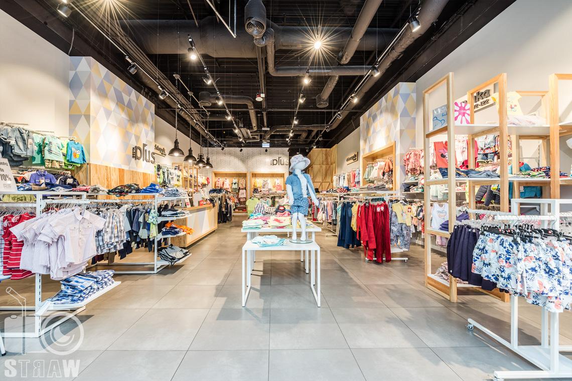 Fotografia wnętrz komercyjnych, zdjęcia sklepu besta plus na zlecenie biura projektowego 4ma Projekt, wnętrze sklepu.