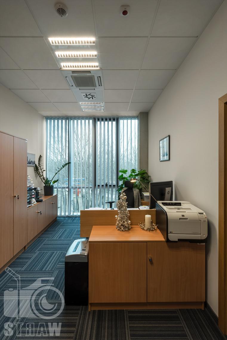 Zdjęcia wnętrz w budynku Polskiej Agencji Żeglugi Powietrznej na zlecenie Lira Lighting, tutaj sekretariat.