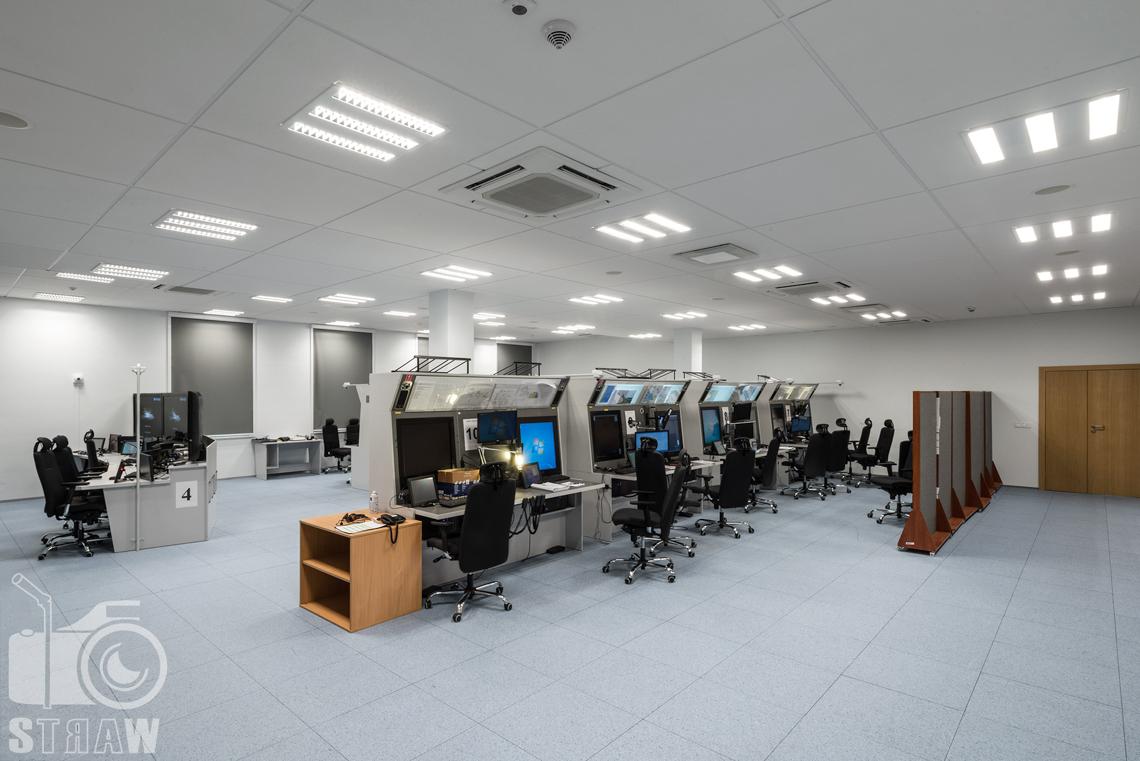 Zdjęcia wnętrz w budynku Polskiej Agencji Żeglugi Powietrznej na zlecenie Lira Lighting, pokój ćwiczeń.