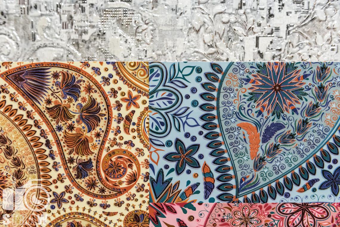 Fotografie z targów wyposażenia wnętrz Warsaw Home, relacja fotograficzna, unikalne płytki z motywami ażurowymi handh tiles mosaic