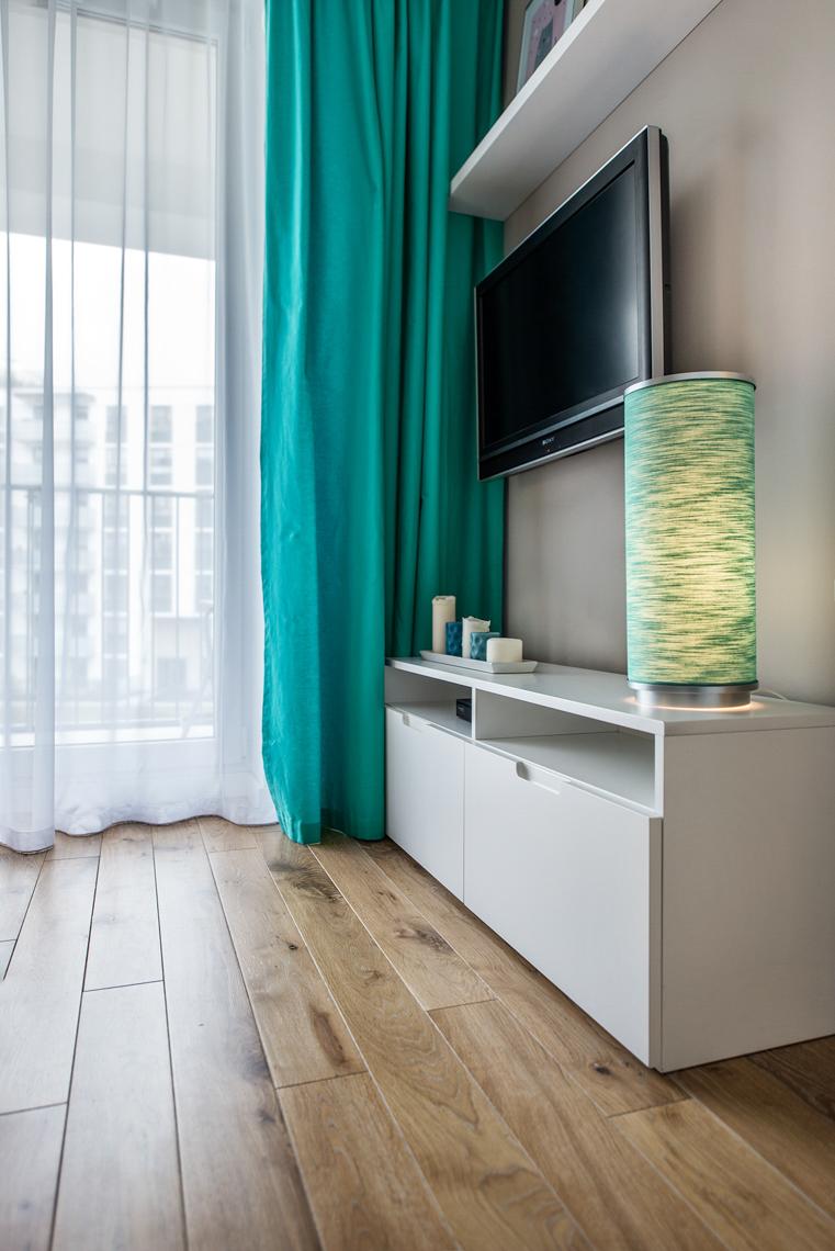 Fotografia wnętrz dla biur projektowych, sesja zdjęciowa mieszkania, podłoga w sypialni.