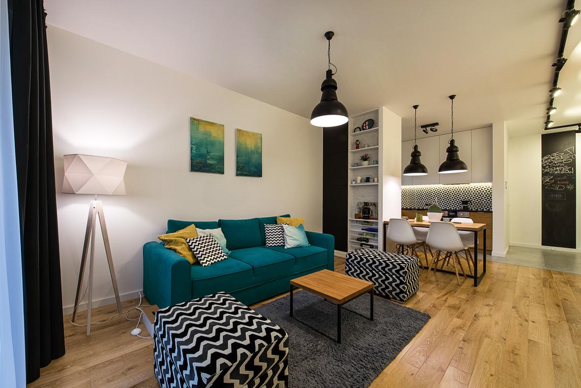 Fotografia wnętrz dla projektantów, sesja fotograficzna mieszkania, salon, sofa.