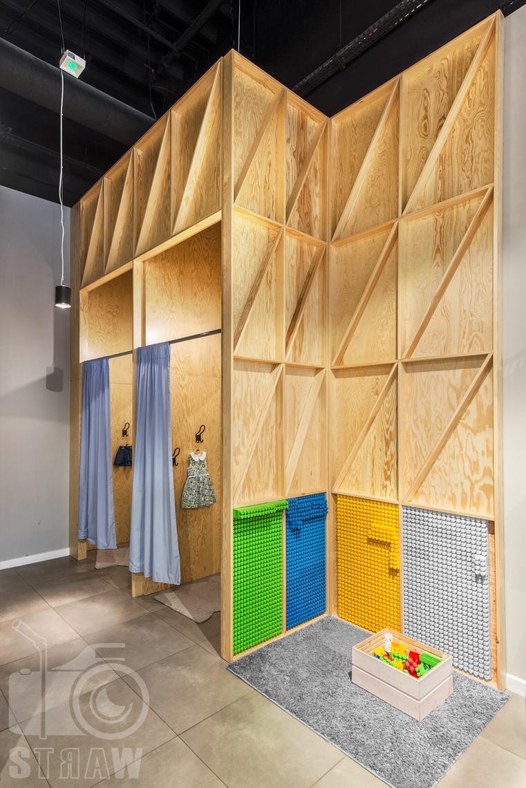 Zdjęcia sklepu, fotografia wnętrz komercyjnych, dla biura projektowego 4ma Projekt, przebieralnia.