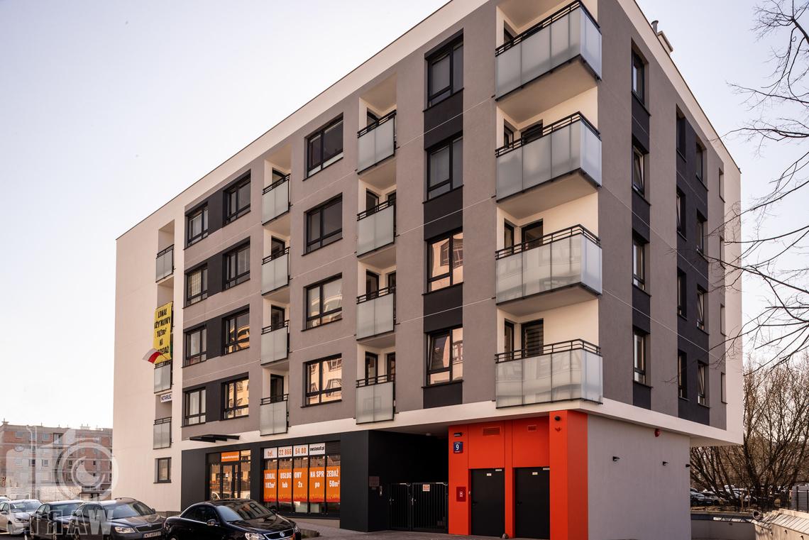 Fotografia nieruchomości na wynajem, zdjęcia budynku z zewnątrz.