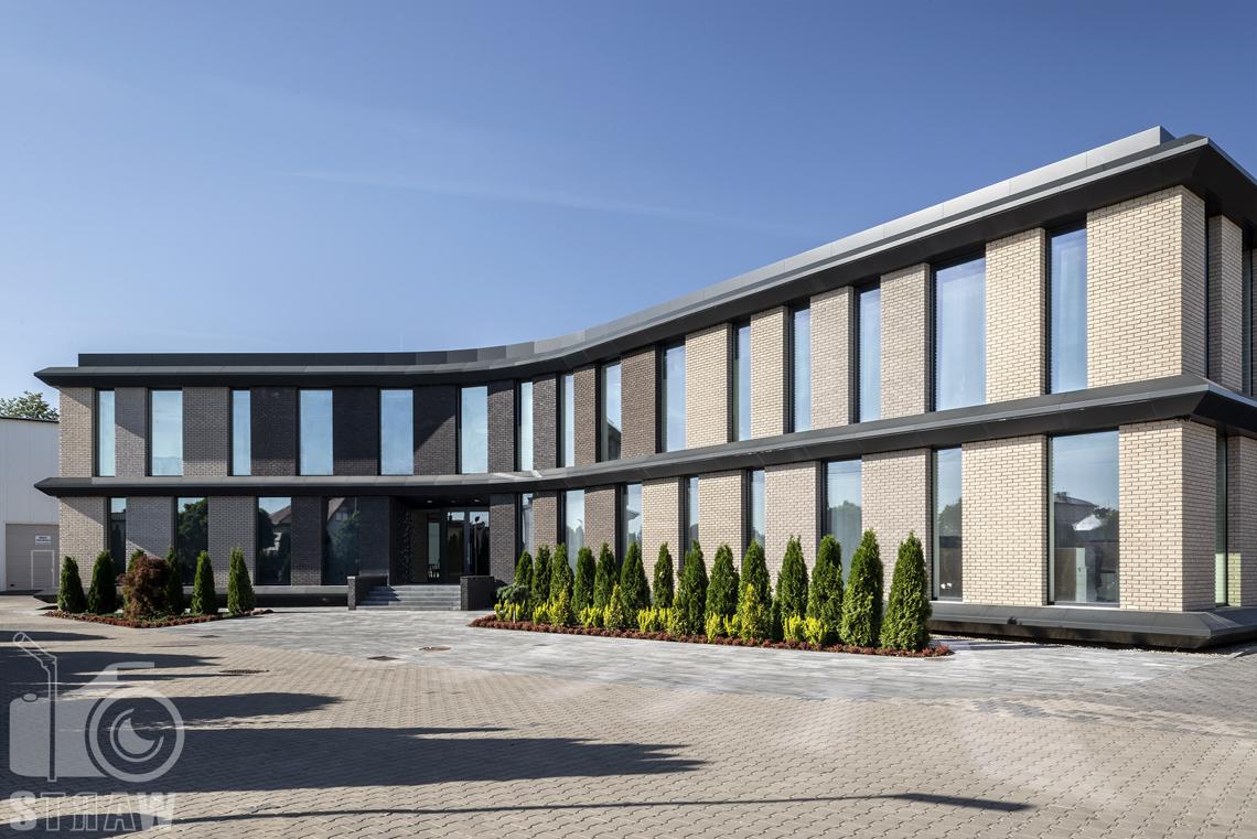 Sesja fotograficzna biura, zdjęcia budynku firmy kosmetycznej nuco.