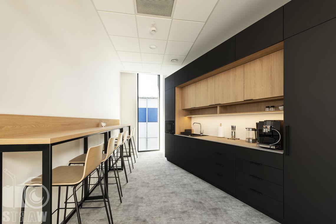 Sesja fotograficzna biura, zdjęcia wnętrz komercyjnych, kuchnia dla pracowników.