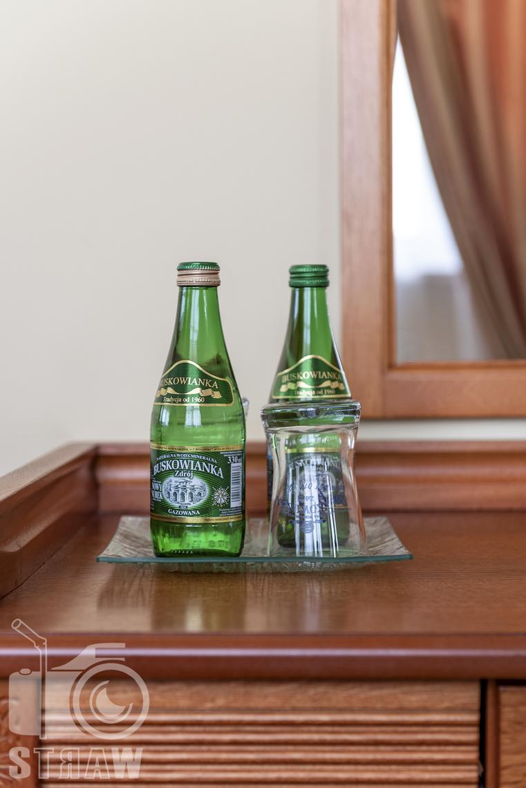 Fotografia nieruchomości komercyjnych, hoteli, restauracji, hotel Stodółka Kielce, zdjęcie detali we wnętrzu.