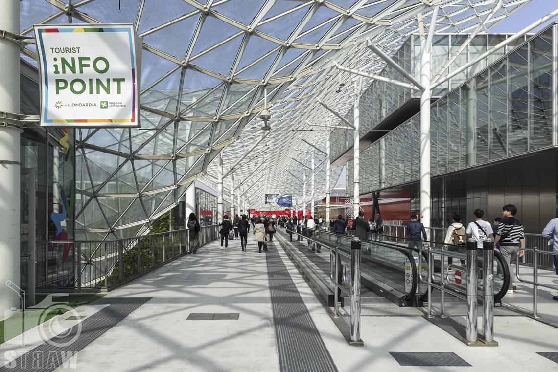 Fotorelacje, targi, zdjęcia z targów Salone del Mobile Milano, infopoint.