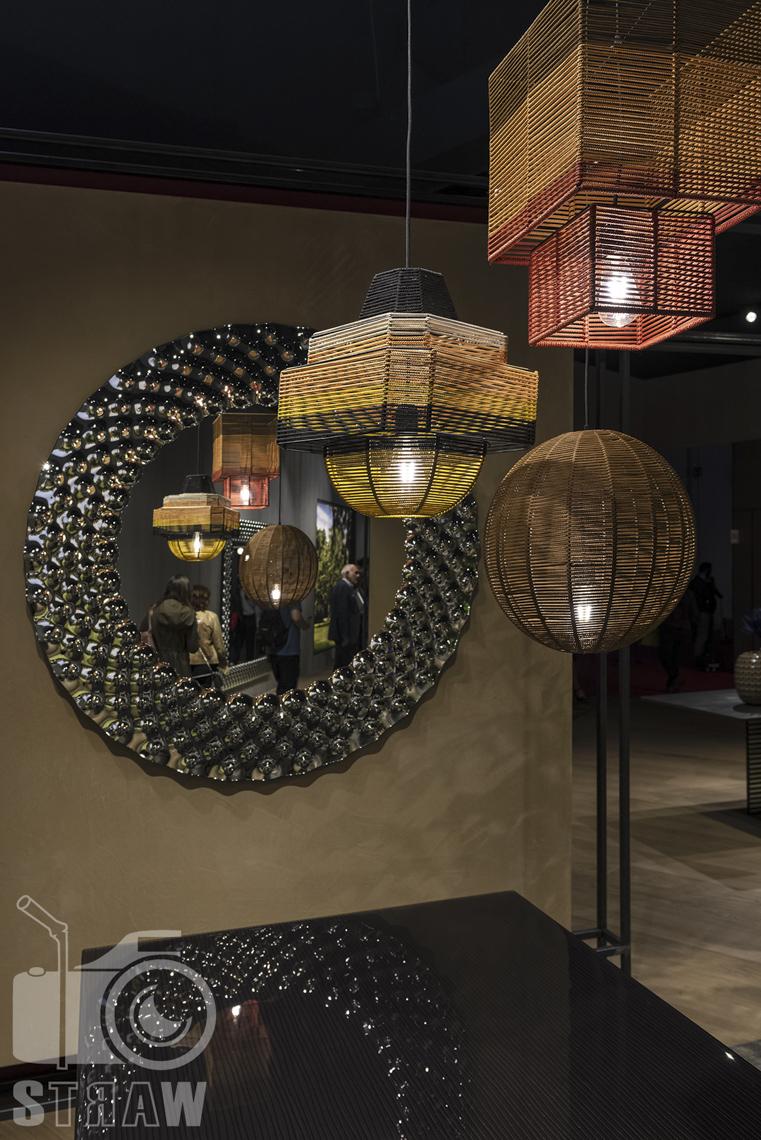 Fotorelacje, targi, zdjęcia z targów Salone del Mobile Milano, lampy.