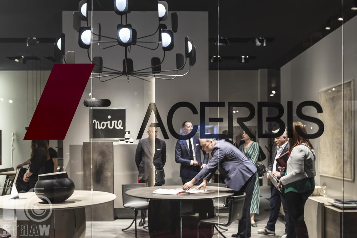 Fotorelacje, targi, zdjęcia z targów Salone del Mobile Milano, firma Acerbis.