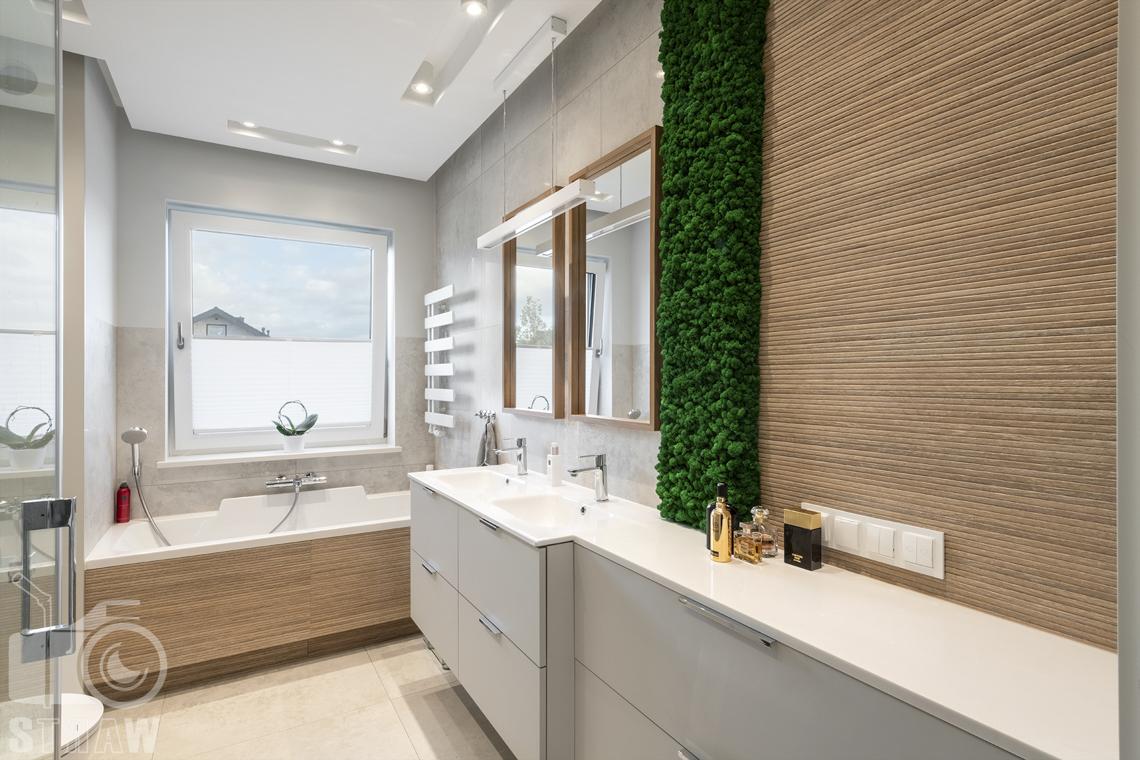 Fotografia wnętrz dla producenta zabudowy firmy Kittchen, na zdjęciu łazienka z szafkami.