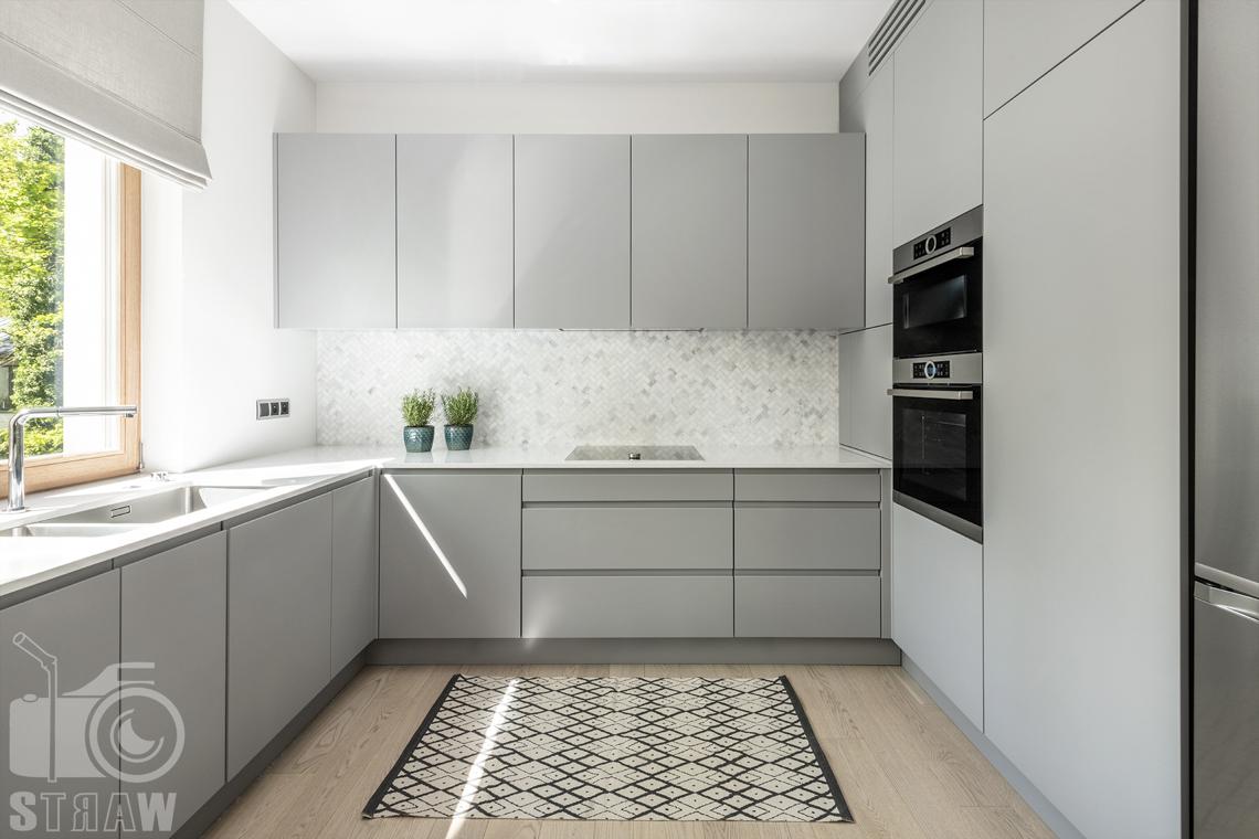Fotografia wnętrz dla projektanta, zdjęcie kuchni i szafek kuchennych.